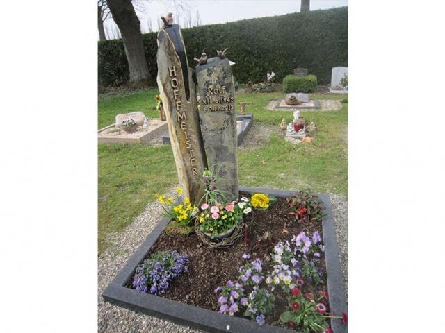 Mühlbrecht Urnengrab 16