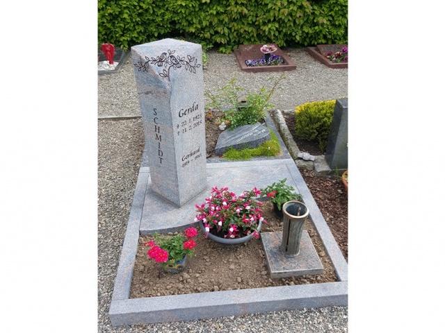 Mühlbrecht Urnengrab 15